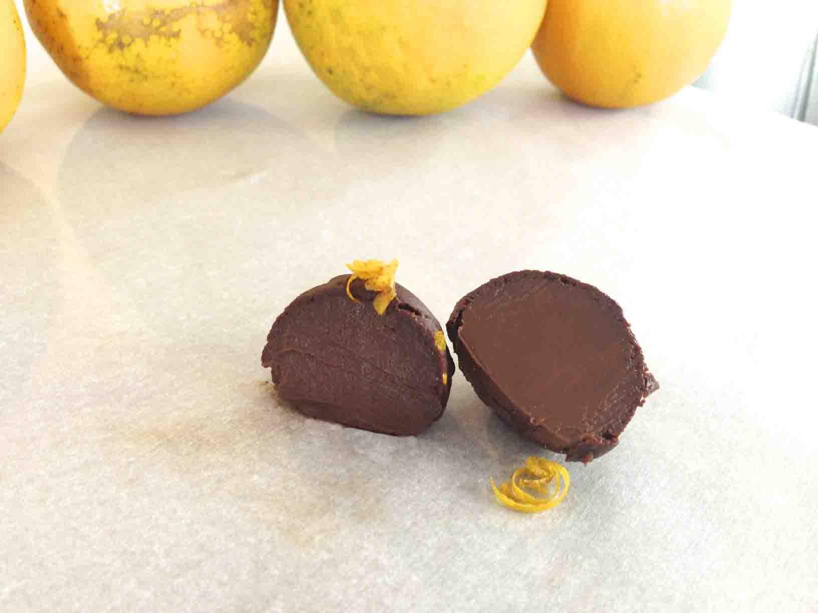 El toque final? Introducir las trufas bañadas en chocolate en el ...